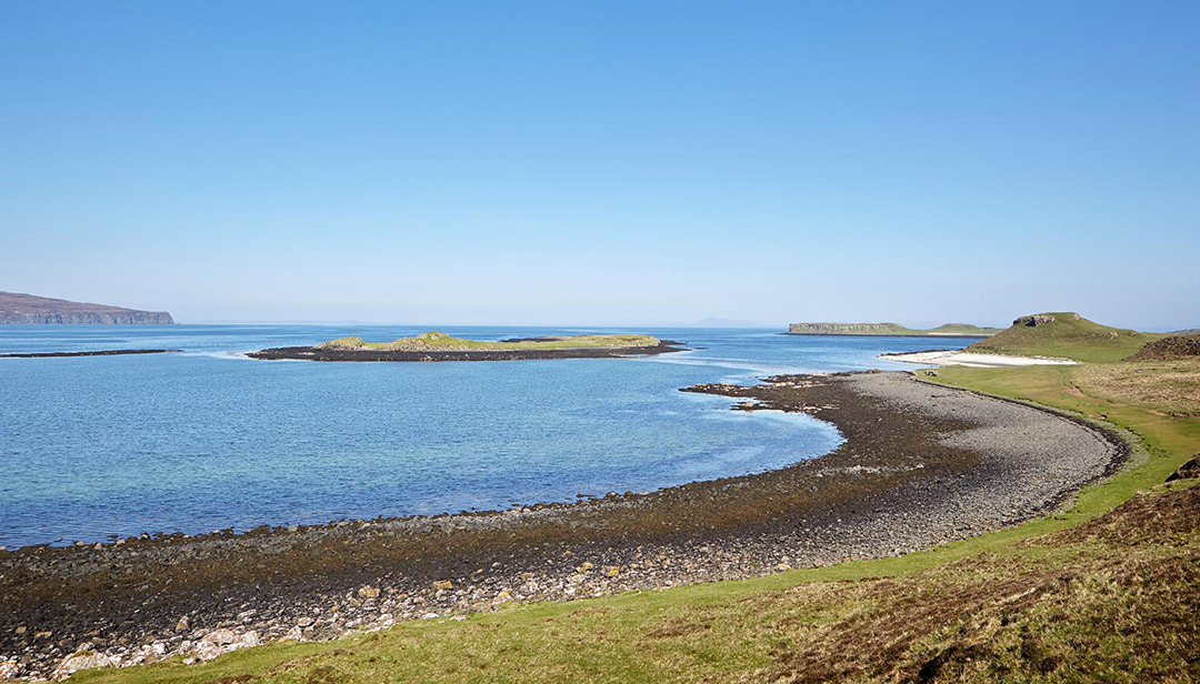 black-shed-skye-coral-beach-james-ross